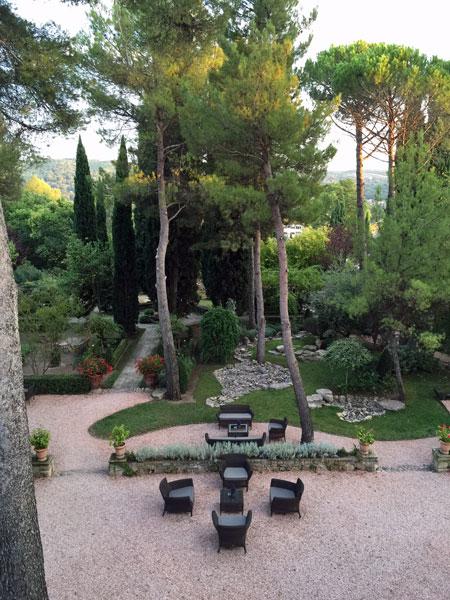 Provence hotel garden